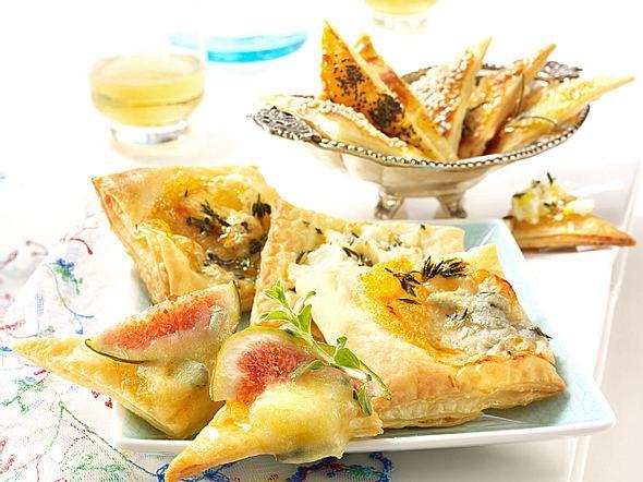 Blätterteighappen mit Gorgonzola und Schafskäse