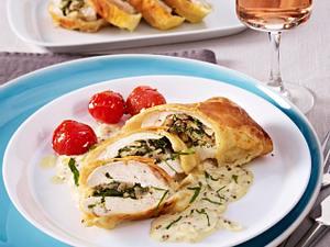 Blätterteigtaschen mit Hähnchen und Champignons Rezept