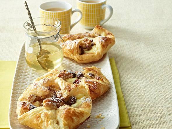 Blätterteigteilchen mit Honig-Nuss-Cranberry-Füllung Rezept
