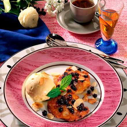 Blaubeerküchlein mit Vanilleeis Rezept
