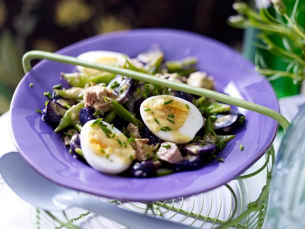 Blauer Kartoffelsalat mit Thunfisch und Dijoncreme Rezept