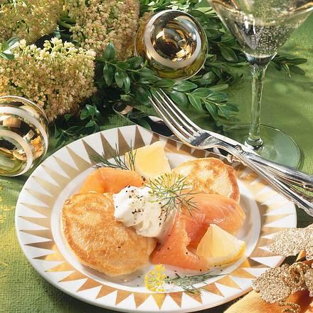 Blinis mit geräuchertem Lachs Rezept