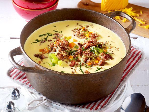 Blitz-Käsesuppe mit Hack und Porree Rezept