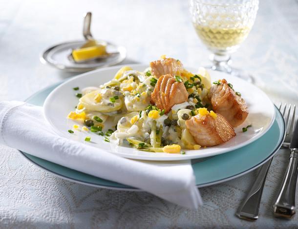 Blitz-Kartoffelsalat mit Lachswürfel Rezept