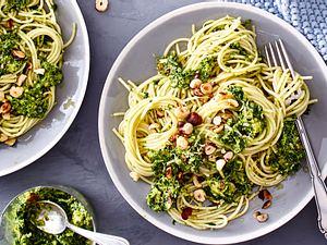 Blitz-Spaghetti mit Grünkohl-Pesto Rezept