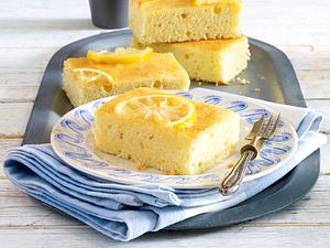 Blitz-Zitronenkuchen vom Blech Rezept