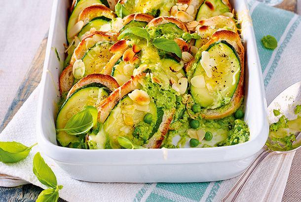 Blitz-Auflauf mit Zucchini & Erbsenpesto Rezept