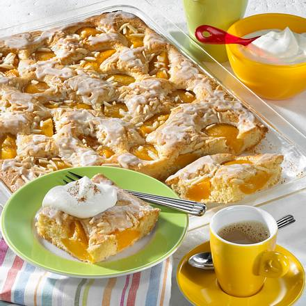 Blitzblechkuchen mit Pfirsich Rezept