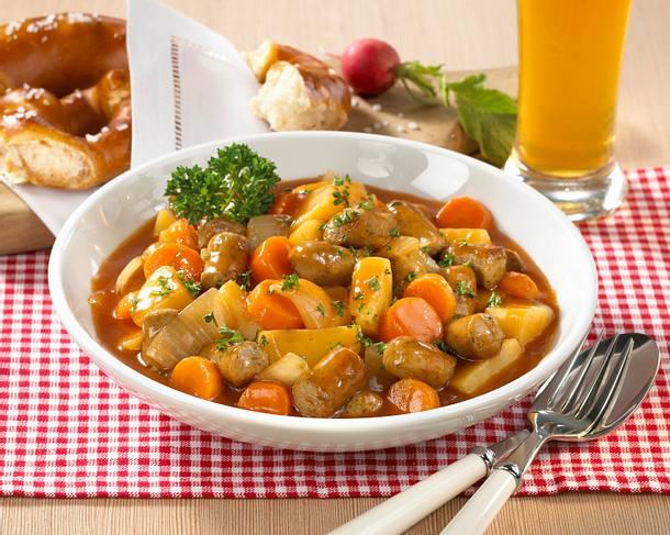 Blitzgulasch mit Würstchen & Gemüse Rezept