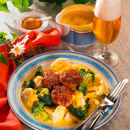 Blumenkohl-Broccoli-Curry mit Pfefferfrikadellen Rezept