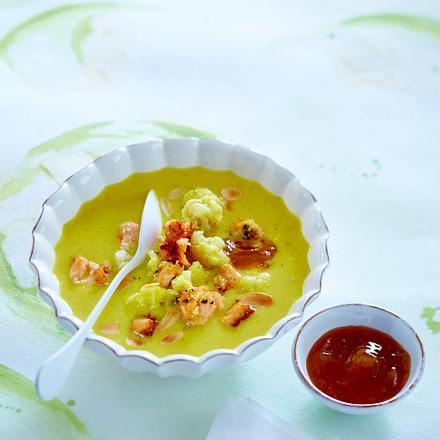 Blumenkohl-Curry-Suppe mit Lachs Rezept
