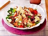 Blumenkohl-Hack-Salat mit Sambaldressing Rezept