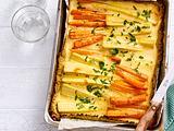 Blumenkohl-Kuchen vom Blech mit Pastinaken und Möhren Rezept
