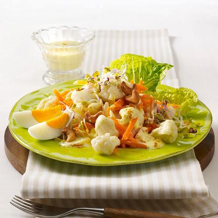 Blumenkohl-Möhren-Salat mit Curry-Joghurt-Dressing Rezept