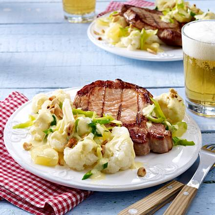 Blumenkohl-Porree-Ananas-Salat zu Kasseler-Steak Rezept