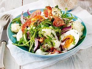 Blumenkohlsalat mit Ei und Speck Rezept