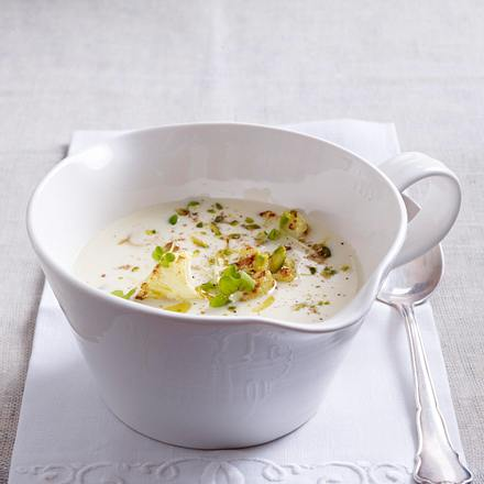 Blumenkohlsuppe mit Pistazien Rezept