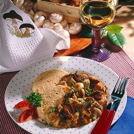 Böhmische Knödel mit Pilzragout Rezept