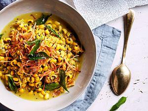 Bohnen-Curry mit crispy Schalotten Rezept
