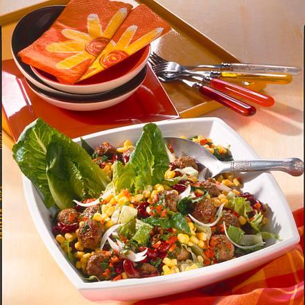 Bohnen-Mais-Salat mit Hackbällchen Rezept