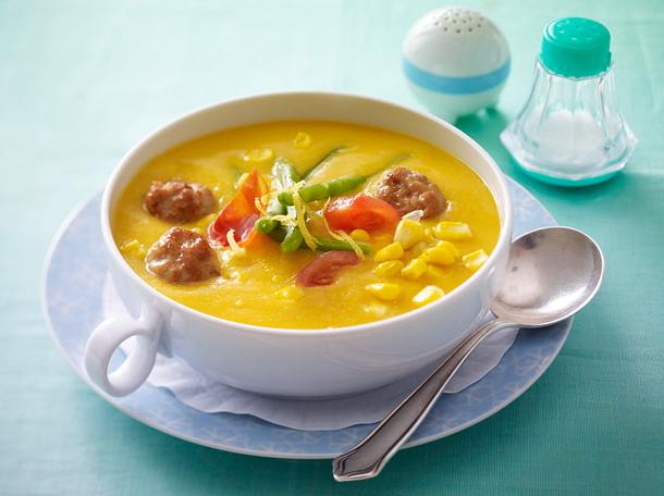 Bohnen-Mais-Suppe mit Brätbällchen Rezept