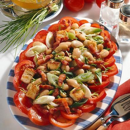Bohnen-Speck-Salat im Tomatenring Rezept