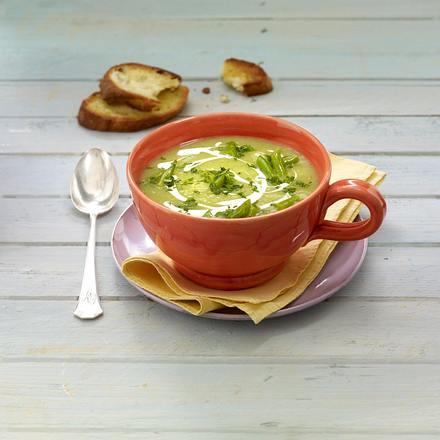 Bohnen-Suppe mit Röstbrot Rezept