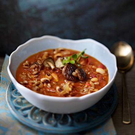 Bohnen-Tomaten-Ragout mit Dinkel und Pilzen Rezept