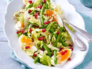 Bohnensalat mit Granatapfelkernen und Eiern Rezept
