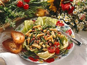 Bohnensalat mit Speck-Vinaigrette Rezept