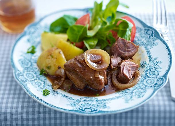 Bollenfleisch mit Petersilienkartoffeln Rezept