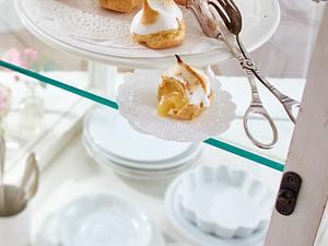 Brandteig-Lemon-Curd-Mützchen  Rezept