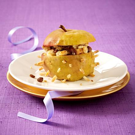 Bratapfel mit Marzipan und Rumrosinen Rezept