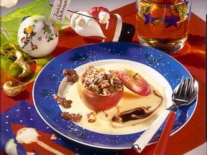 Bratapfel mit Nuss-Bounty-Füllung und Vanillinsoße Rezept
