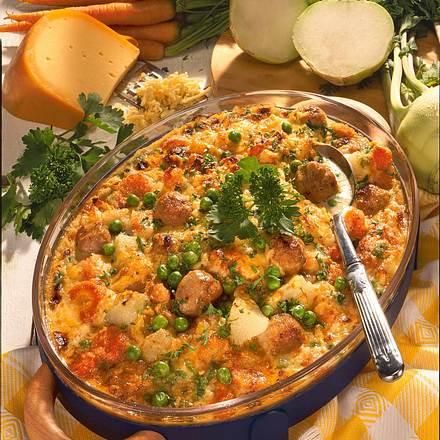 Bratbällchen und Gemüse in Sahnesoße mit Käse überbacken Rezept