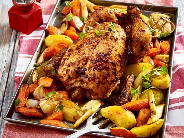 Brathähnchen auf Schmorgemüse Rezept
