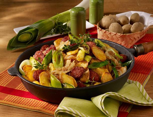 Bratkartoffel-Mettwurst-Pfanne Rezept
