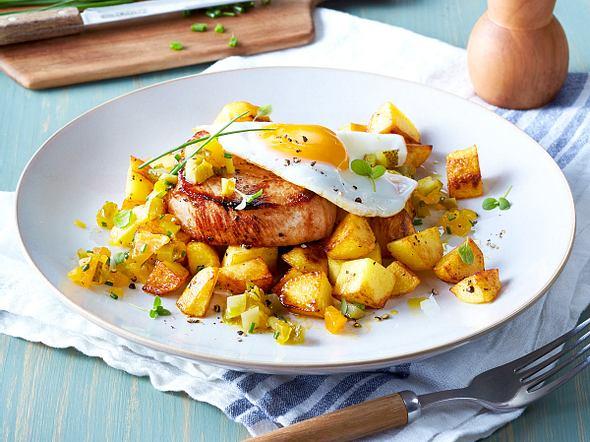 Bratkartoffeln mit Minutensteak und Spiegelei Rezept