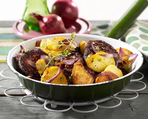bratkartoffeln mit blutwurst und roten zwiebeln rezept chefkoch rezepte auf kochen. Black Bedroom Furniture Sets. Home Design Ideas