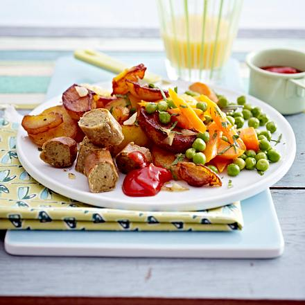 Bratkartoffeln mit Möhrchen, Erbsen und Tofuwürstchen Rezept
