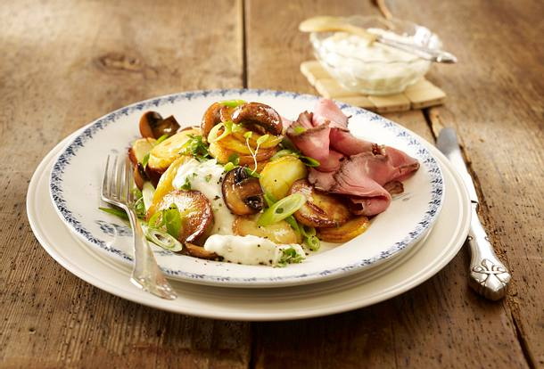 Bratkartoffeln mit Pilzen, Roastbeef und Meerrettich-Remoulade Rezept