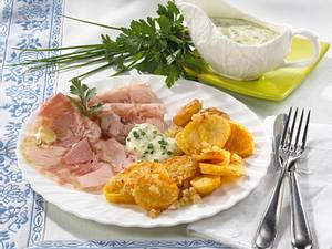 Bratkartoffeln mit Sülze und leichter Remoulade Rezept