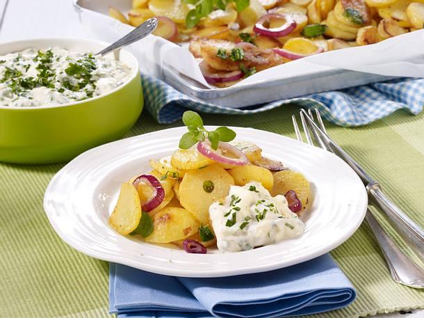 Bratkartoffeln vom Blech mit leichter Remoulade Rezept