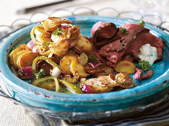 Bratkartoffelsalat mit Roastbeef & Remoulade Rezept
