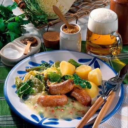 Bratwurst mit Wirsing und Kartoffelsoße Rezept