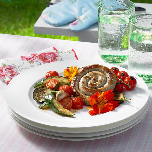 Bratwurstschnecke mit Konfetti-Ratatouille Rezept