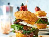 Breakfast-Muffin-Burger Rezept