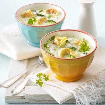 Broccoli-Cremesuppe mit gebratenen Tortelloni Rezept
