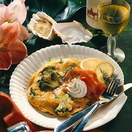 Broccoli-Eierkuchen zu Lachs Rezept