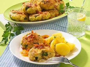 Broccoli-Hirse-Frikadellen mit Möhrensoße Rezept